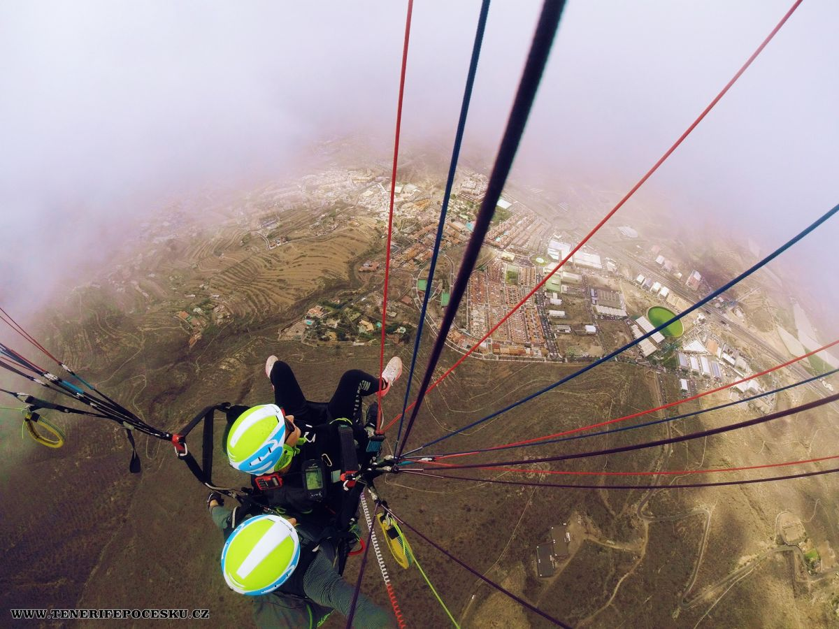 Paragliding bronze flight