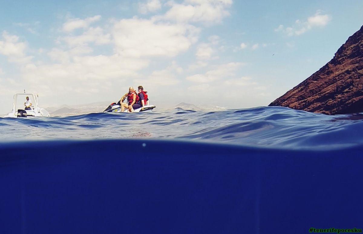 Dvouhodinová jízda na vodním skútru pro dvě osoby